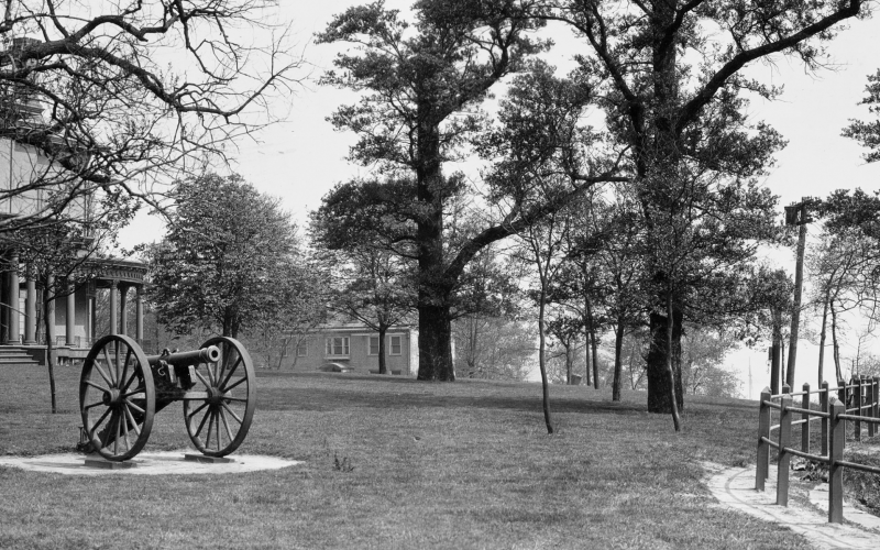 The cannon on Castle Point, late 1800s